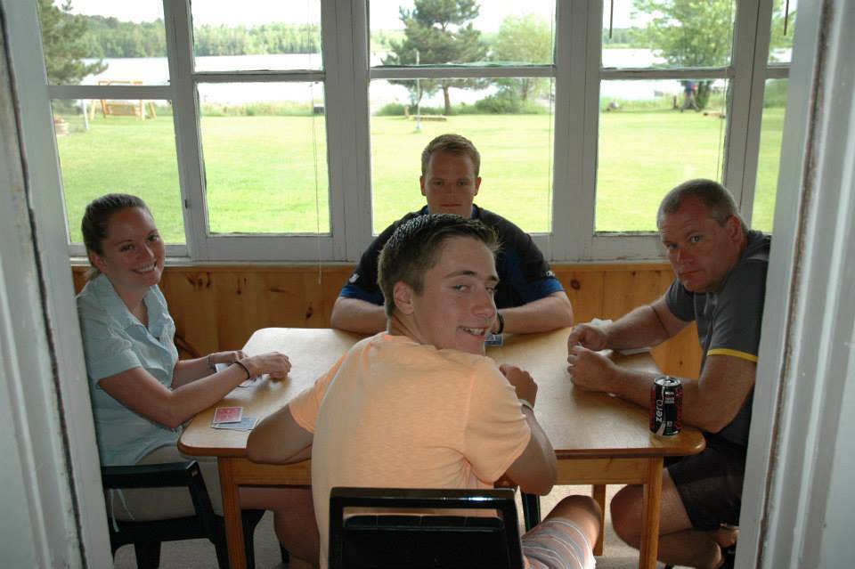 Everett Bay Lodge guests playing cards