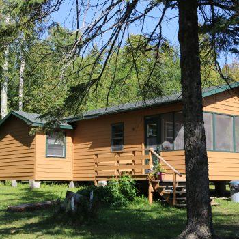 Everett Bay Lodge cabin 8