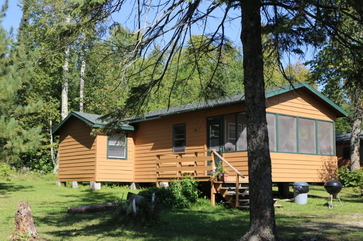Everett Bay Lodge cabin 8
