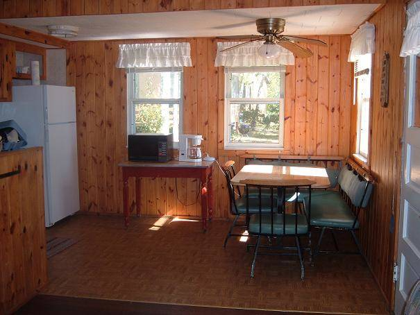 cabin 7 dining room at Everett Bay Lodge
