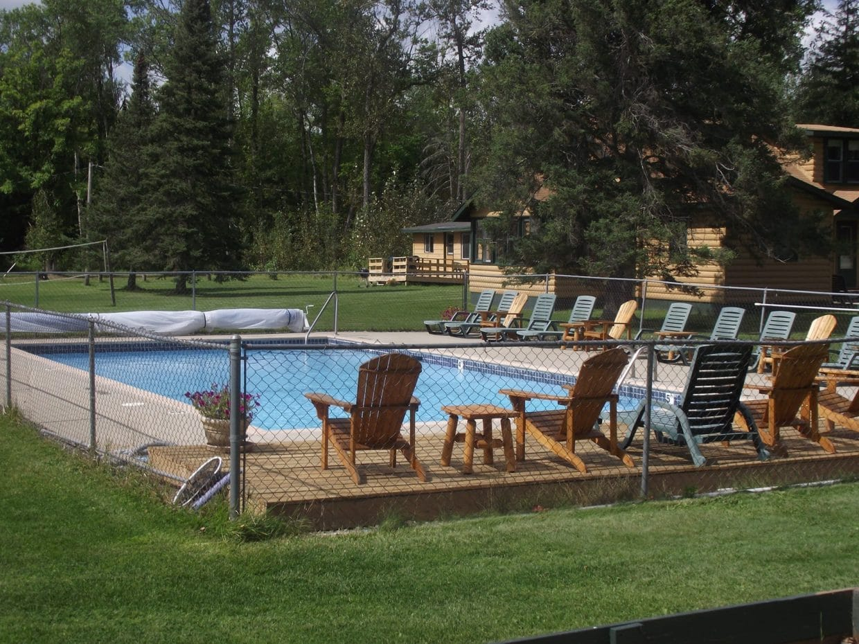 lake vermilion resort pool at Everett Bay Lodge