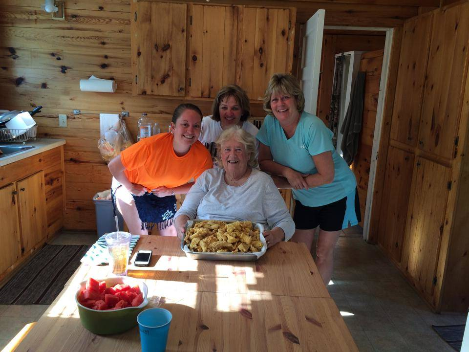 Minnesota walleye fish fry at Everett Bay Lodge