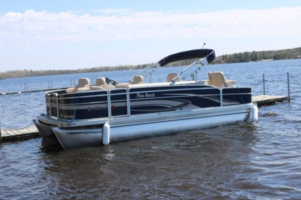 Lake Vermilion pontoon rental Everett Bay Ldoge