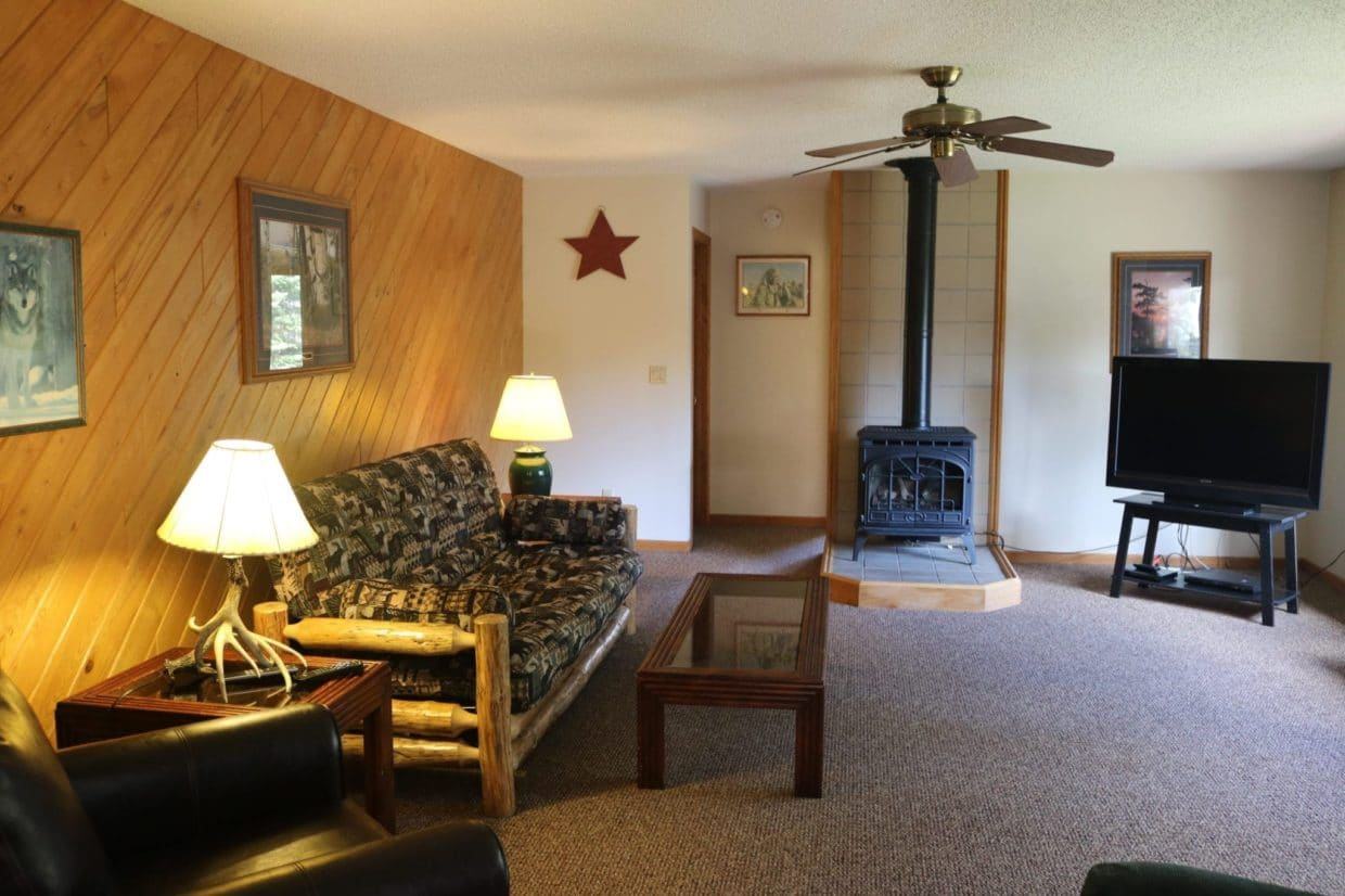 Resort on Lake Vermilion living room
