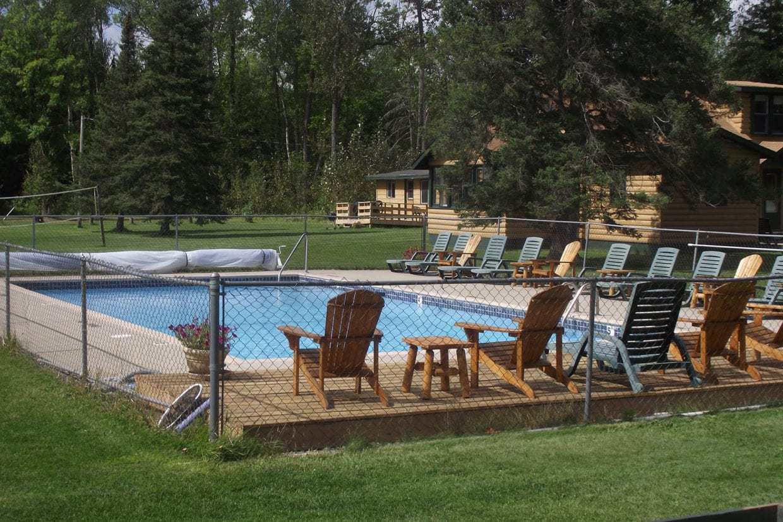 Lake Vermilion Resort: Everett Bay Lodge on Lake Vermilion