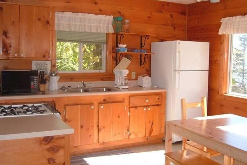 kitchen in Everett Bay Lodge on Lake Vermilion cabin