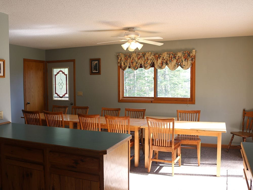 Vacation rental dining room