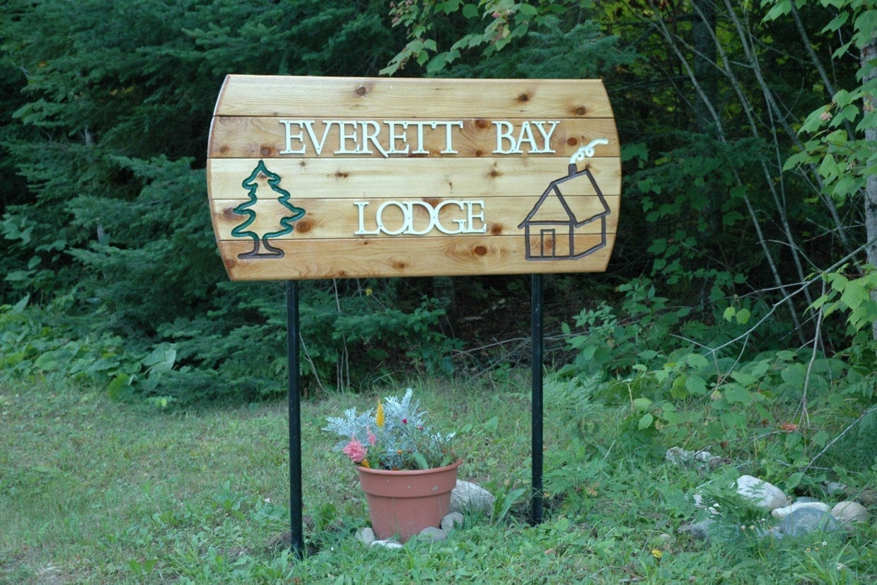 Everett Bay Lodge on Lake Vermilion sign